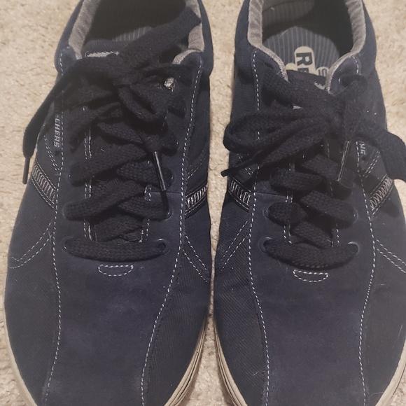 Skechers Shoes - Mens Sketchers memory foam tenni